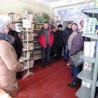 Бібліотека у сільському клубі