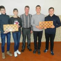 Проведено змагання юнаків та дівчат  з шахів в залік міської Спартакіади школярів