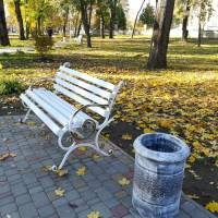 У Гадячі в Центральному парку міста продовжуються роботи з реконструкції алеї Закоханих