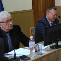 Голова районної ради Л.Яринич веде засідання