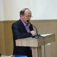 Депутат О.Черниш зачитує звернення фракції ВО Батьківщина