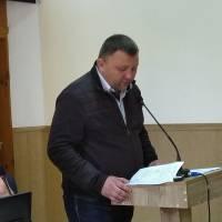 Депутат О.Турбаба зачитує звернення