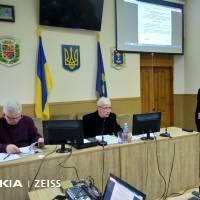 Засідання веде голова районної ради Леонід ЯРИНИЧ
