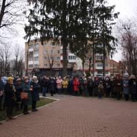 1996-U-Volochisku-vshanuvali-pamyat-jertv-Golodomoru