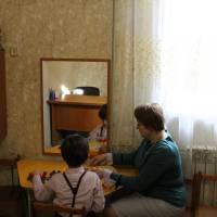 Вчитель - дефектолог Веремчук О.П. розвиває логіку.