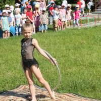 Юна спортсменка Віка Коваль  в гостях у дітей
