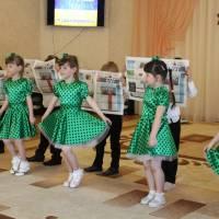 Танець у виконанні дітей старшої групи