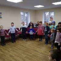 Співаємо новорічні пісні