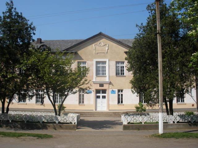 Чопська Загальноосвітня Школа І-ІII Ступенів №2 імені Іштвана Сечені Чопської Міської Ради Закарпатської Області