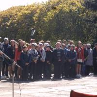 учні Новоаврамівської гімназії на мітингу присвяченому Чорнобильській трагедії