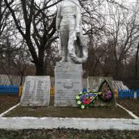 Пам'ятник загиблим воїнам с.Зікранці