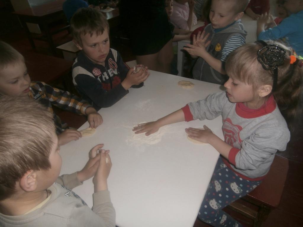 Оржиця, Чайківщина, дошкільники, виховання, хліб
