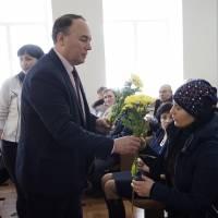 Квіти та подарунки членам родин загиблих учасників АТО