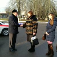 Валентина Хавронюк отримує ключі від нових автомобілів