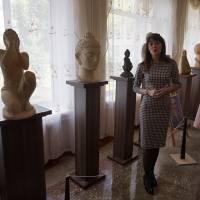 З експонатами виставки знайомить Руда Анна Олександрівна