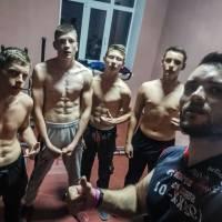 Віталій із своїми вихованцями після тренування