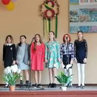 Вокальний ансамбль дiвчат 5 класу Пузикове