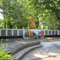 Меморіальний комплекс Ніхто не забутий - ніщо не забуто с. Великі Кринки