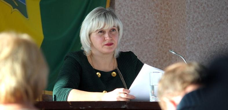 На черговій сесії Ямпільської райради депутати розглянули ряд важливих питань. За одно й вирішили долю крісел.