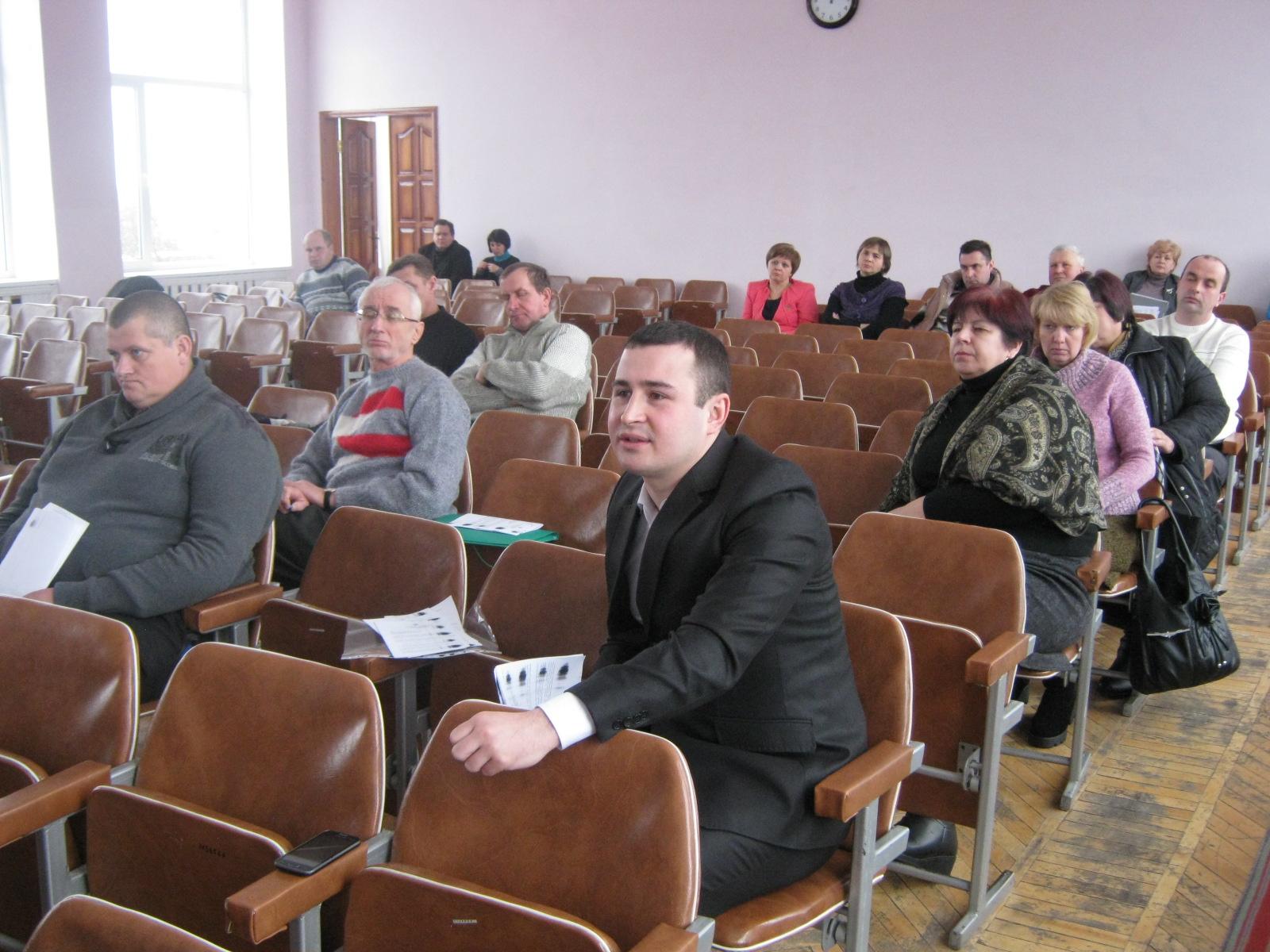 Серед депутатів Ямпільської районної ради є хронічний прогульник.