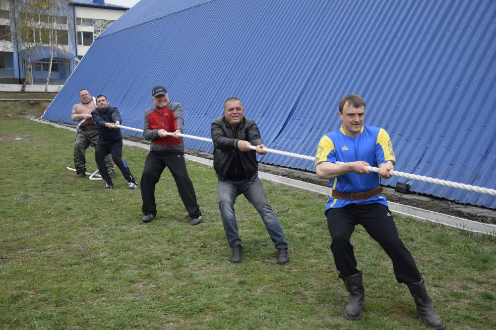 Команда Щербанівської ОТГ стала кращою у перетягуванні канату