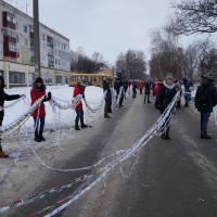 Хорольські школярі в переддень дня Соборності виготовили найдовшу в Україні паперову гірлянду