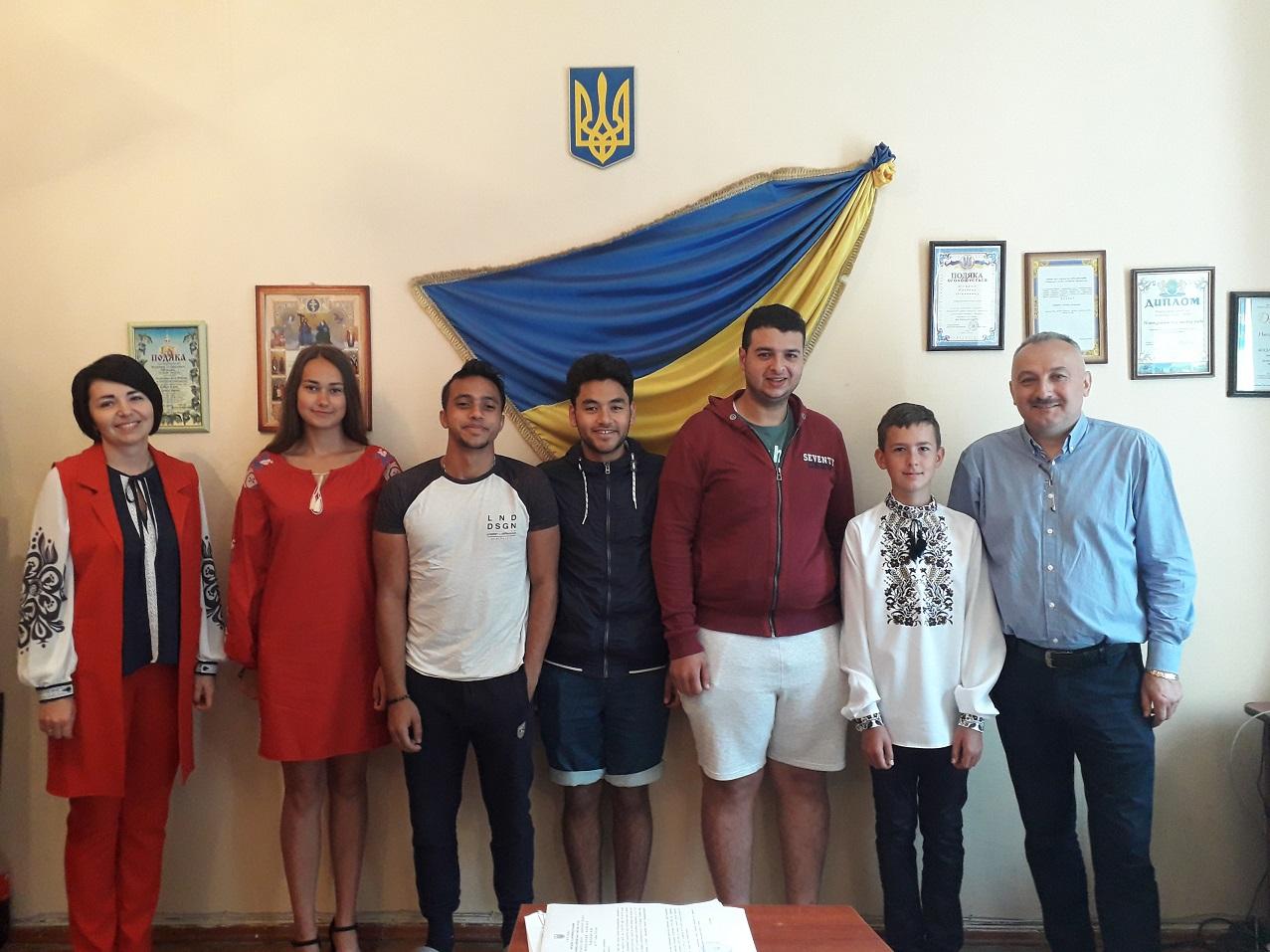 Studenty-volontery z Yehyptu v Novokalynivskii miskii radi