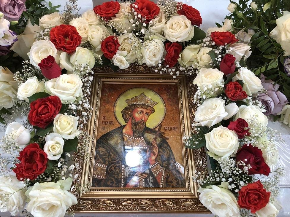 Khramove sviato sviatoho rivnoapostolnoho velykoho kniazia Volodymyra m. Novyi Kalyniv PTsU otets Yaroslav