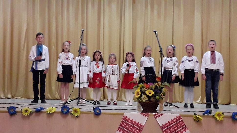 Sviatkovi kontserty do Dnia Materi v Novokalynivskii OTH