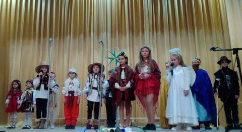 """Festyval koliadok ta vertepiv """"Svitlo Rizdvianoi Zirky"""" v Novokalynivskii OTH"""