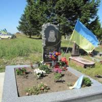 могила Тимощука Андрія у с. Галущинці