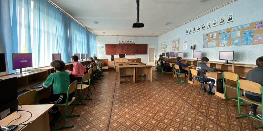 У Ладижинський ліцей придбано комп'ютерний клас (15+1)