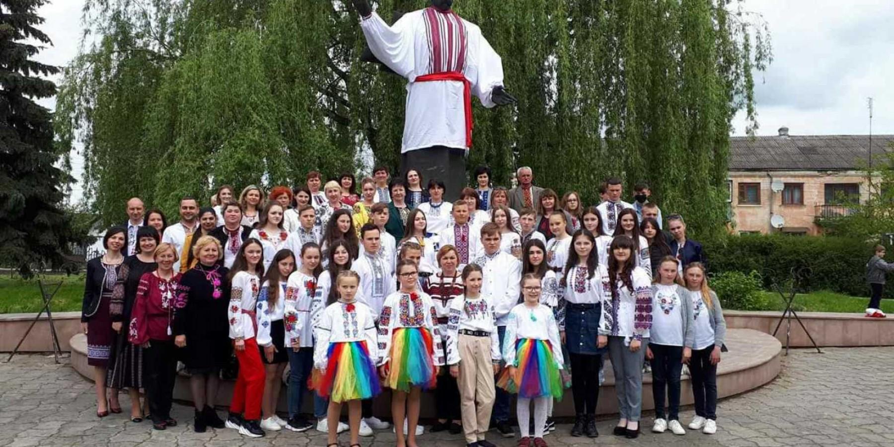 Святкування 15 річниці відзначення Дня вишиванки у Ходорівській громаді