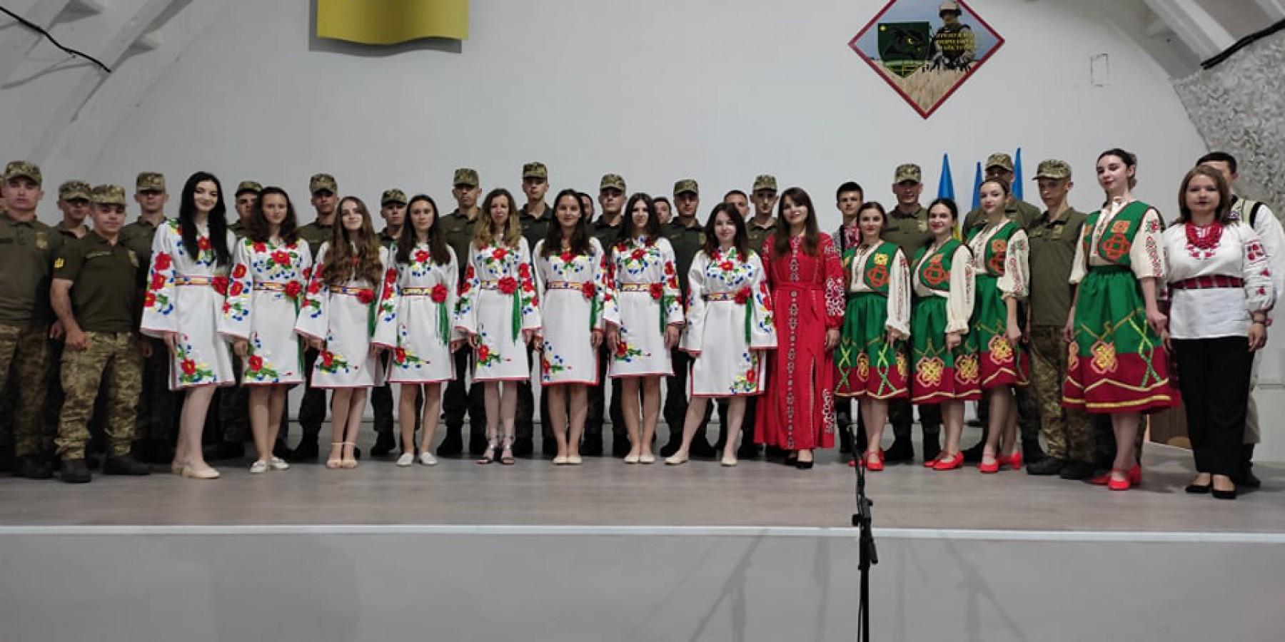 Концерт колективів Ходорівщини перед військовими в Старичах (Яворівський полігон), 2021