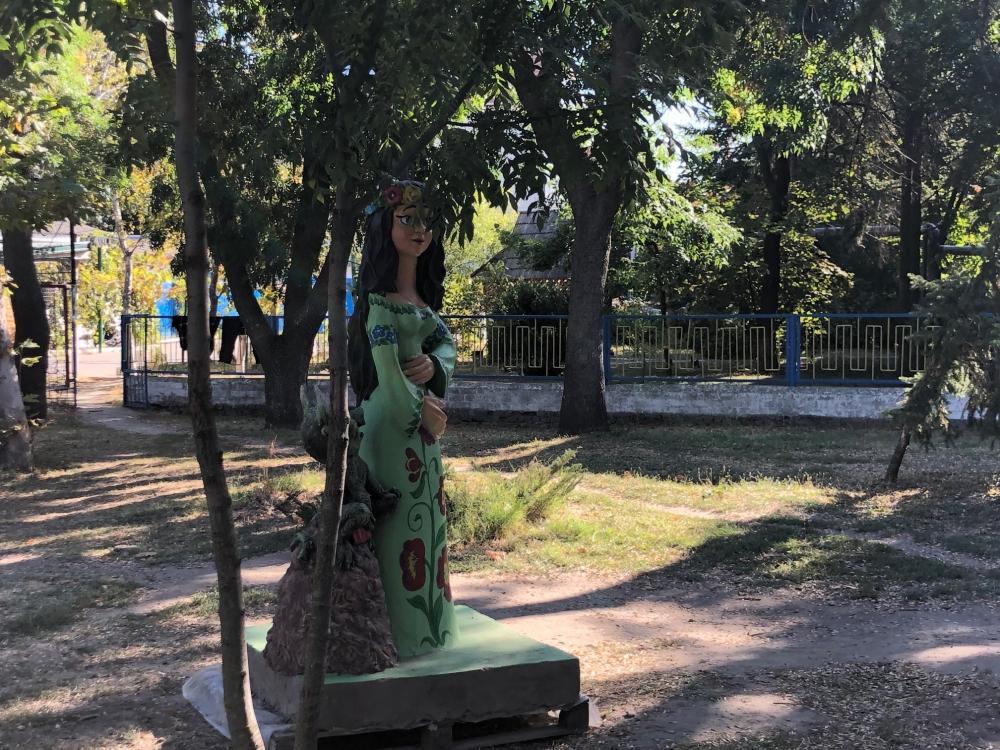 На курорте Херсонщины обустраивают сказочный городок - готов будет на этой неделе