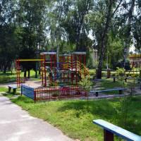 Дитячий майданчик в центрі с. Свидівок