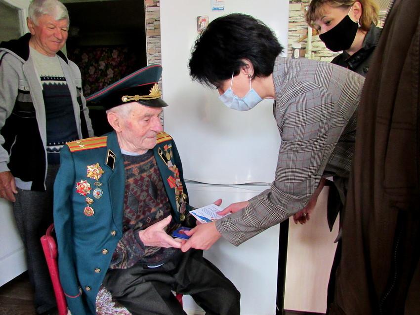 Володимир Захаров, 92 роки