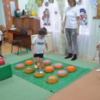 Перше спортивне заняття із новим інвентарем , придбаним завдяки реалізації проекту