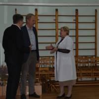завідувач Білобородько Л.І.знайомить гостей з ДНЗ ясла-садок