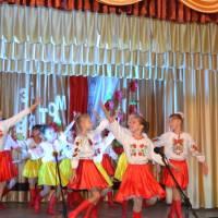 """Танець """"Ми -  українці"""" дарує  танцювальний колектив  """"Дніпряночка"""""""