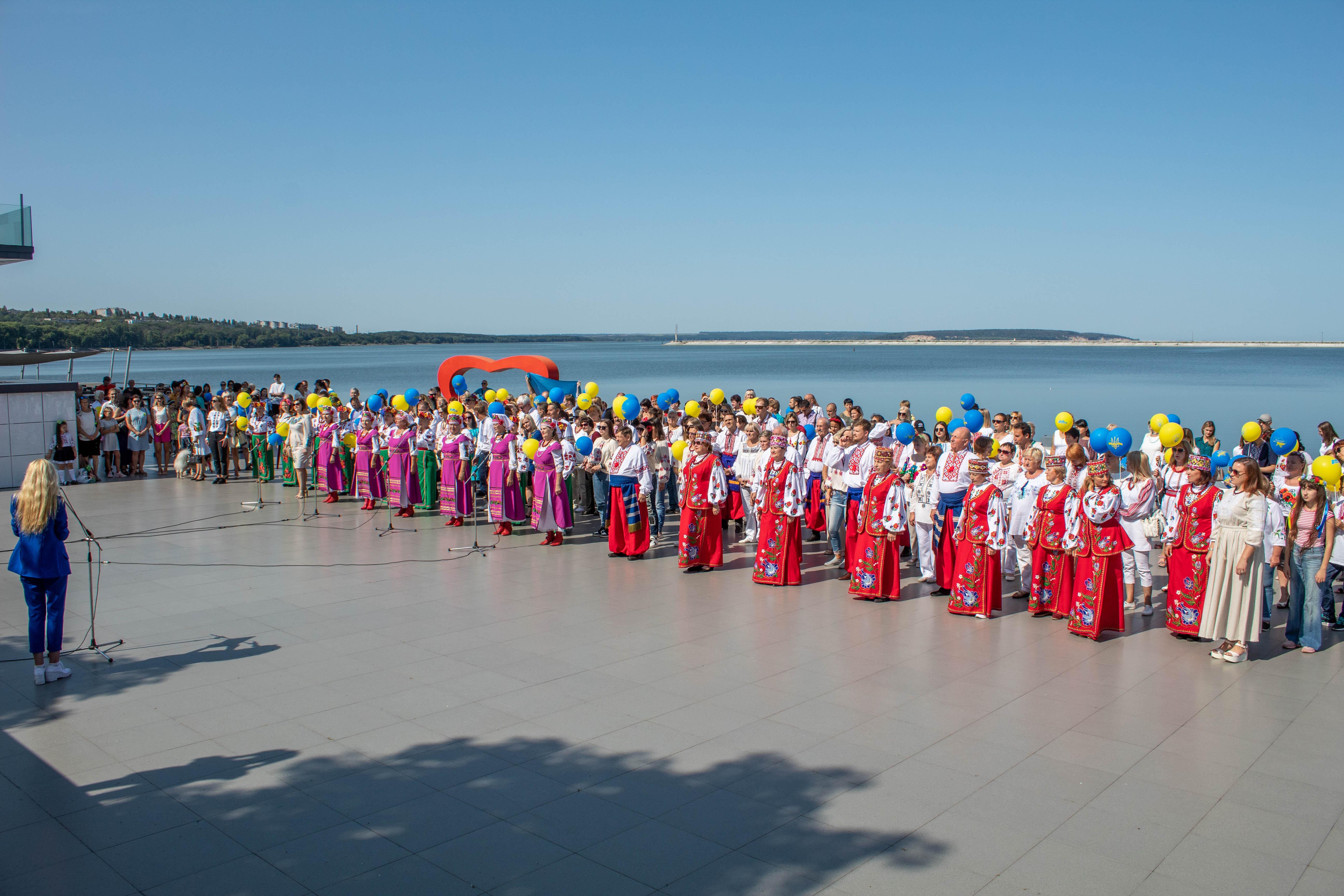 Світловодська громададолучилася до виконання гімну України