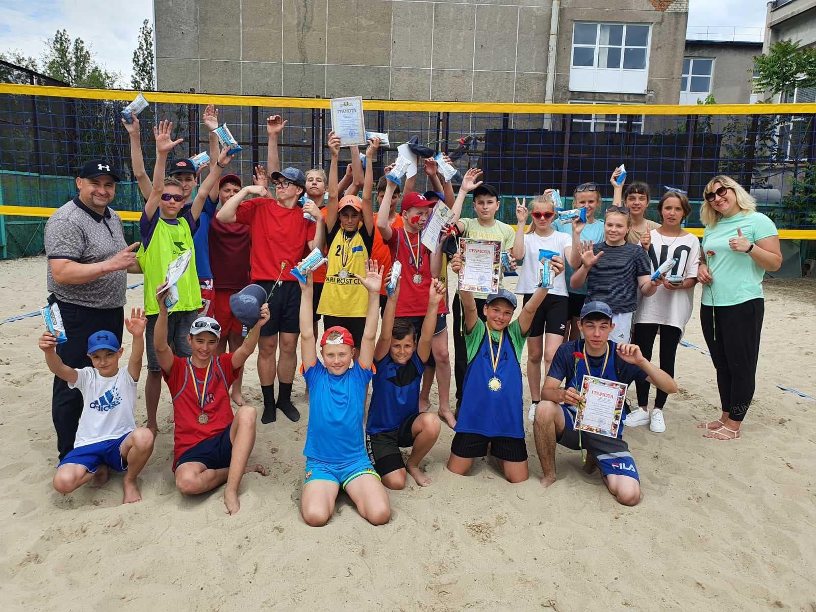 Традиційний турнір до Дня міста серед юнаків, який проходив на кортах КДЮСШ N1