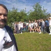 Екскурсії до садиби Левка Лук'яненка (травень 2021)