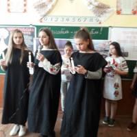 «Чорнобиль – наш біль» -  підготували учні 7-9 класів під керівництвом   Мориляк Н.М., класним керівником 9 класу.