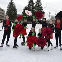 Танець на льоду у виконанні учнів Тячівської ЗОШ І-ІІІ ст. №1 імені В. Гренджі-Донського