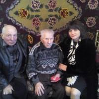 Привітання з 98 річчям   жителя с. Хижинці  Ільченка В.В.