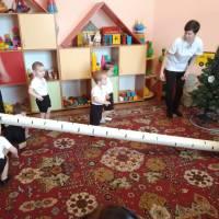 Заняття у групі раннього віку
