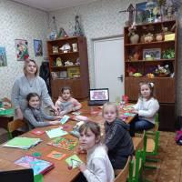 Тетяна Невесенко з гуртківцями (СЮТеХ)