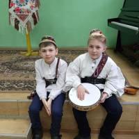 Учні  Солотвинської ДШМ на репетиції до дня весни